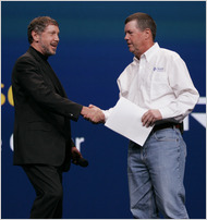 Larry Ellison (à gauche) et Scott G. McNealy ex-PDG de Sun